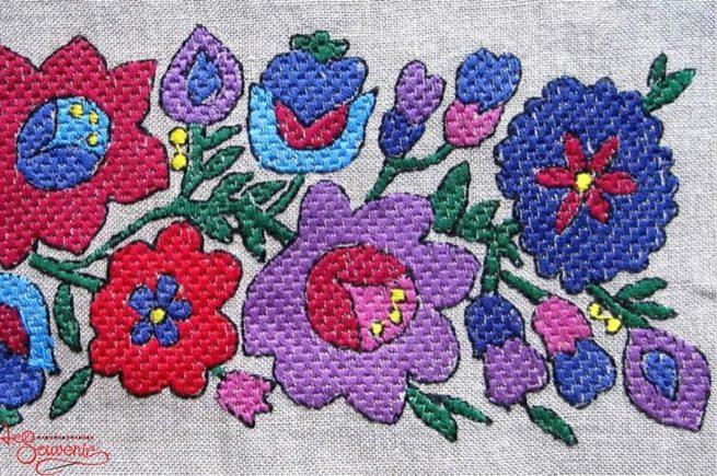 Буковинська вишиванка – квіткові мотиви 3c09e90f8e1f4